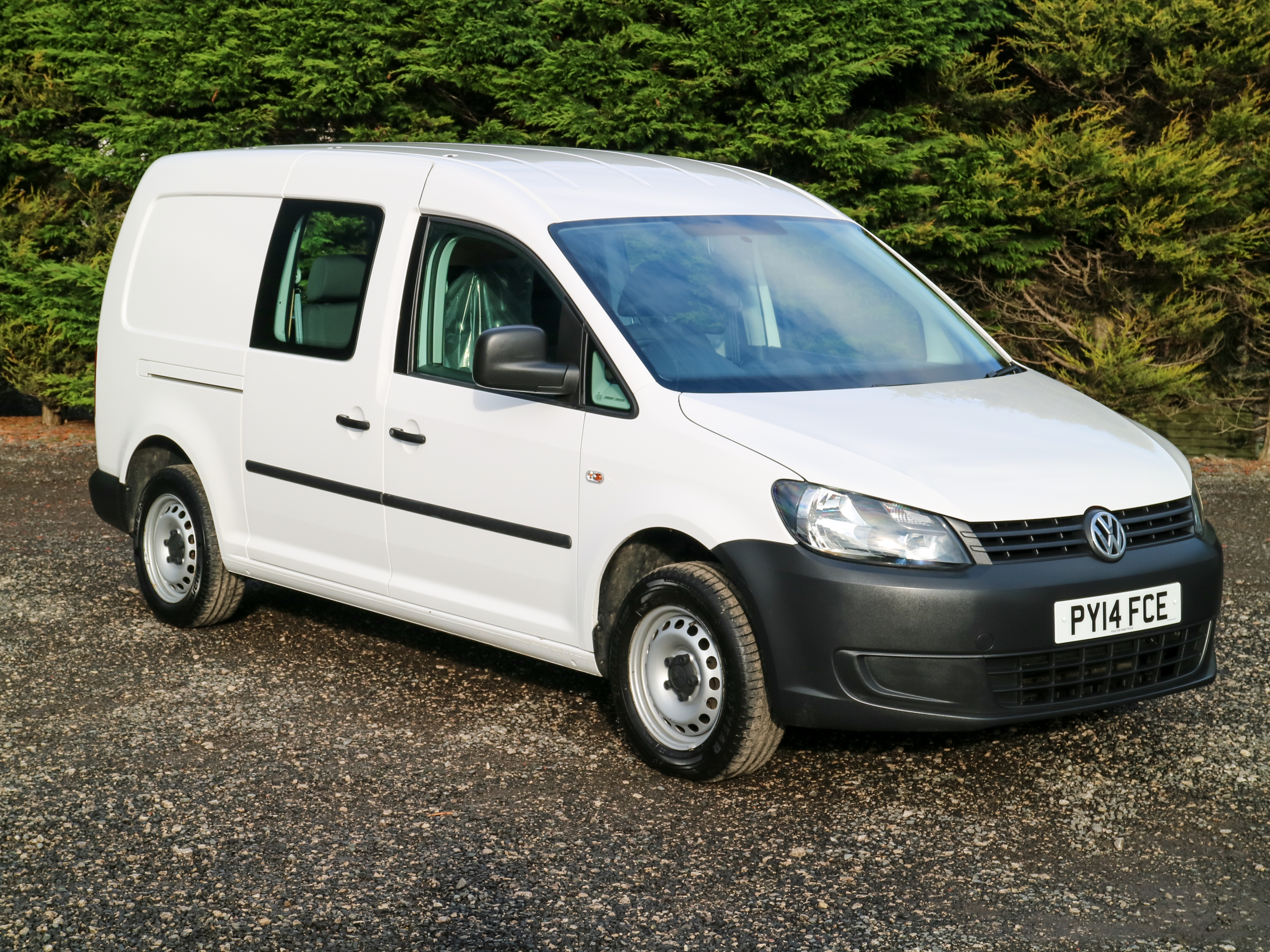used volkswagen caddy c20 maxi kombi eu 5 102bhp lwb 5 seat crew cab double cab van 2014 14. Black Bedroom Furniture Sets. Home Design Ideas