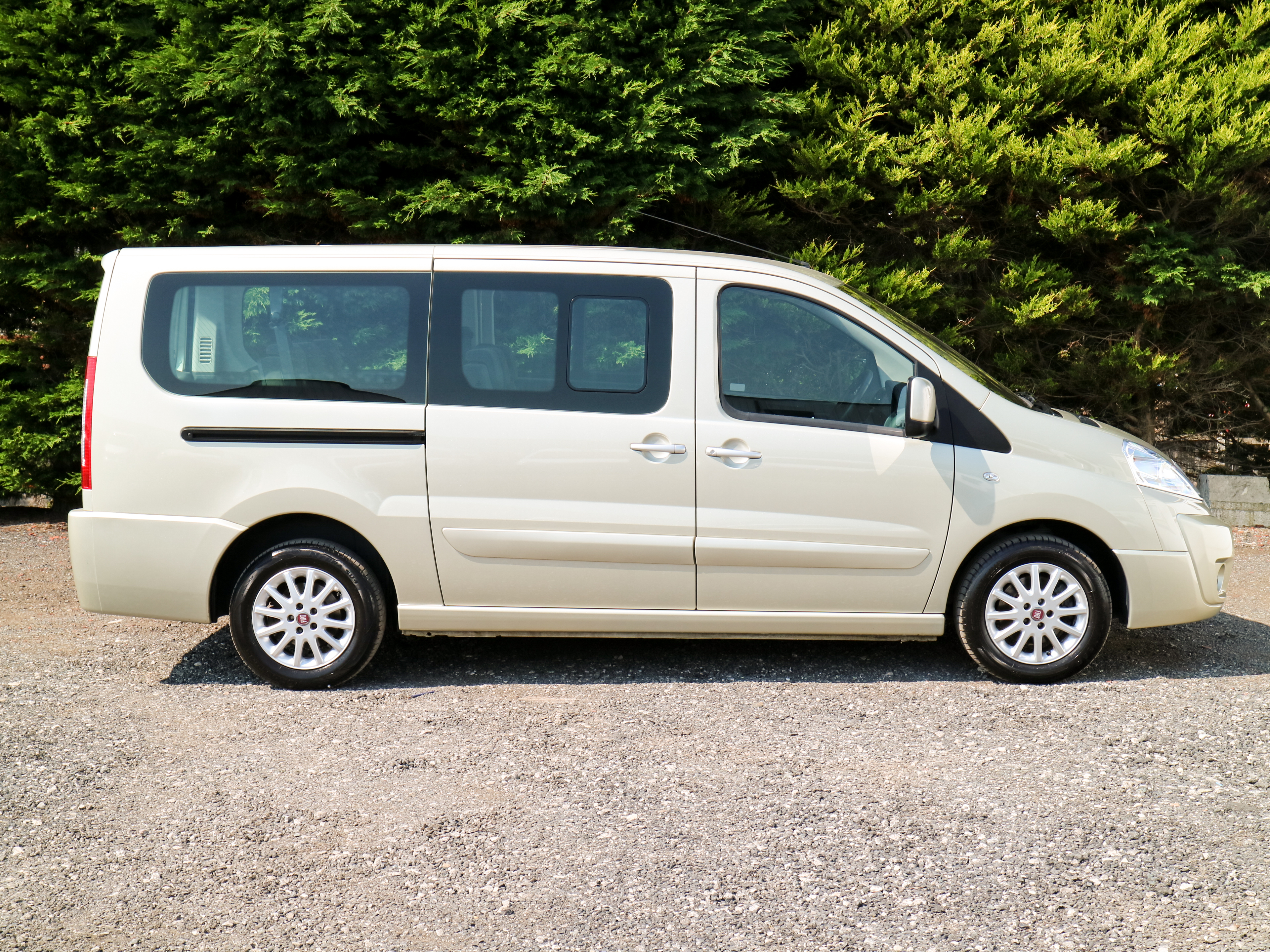 used fiat scudo panorama 130bhp eu 5 6 speed l2 lwb 8 seat minibus combi hi spec 2013. Black Bedroom Furniture Sets. Home Design Ideas